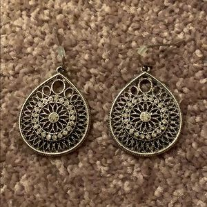 Silver stunning earrings